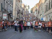 Fedeli arrivati a Loreto dopo il pellegrinaggio