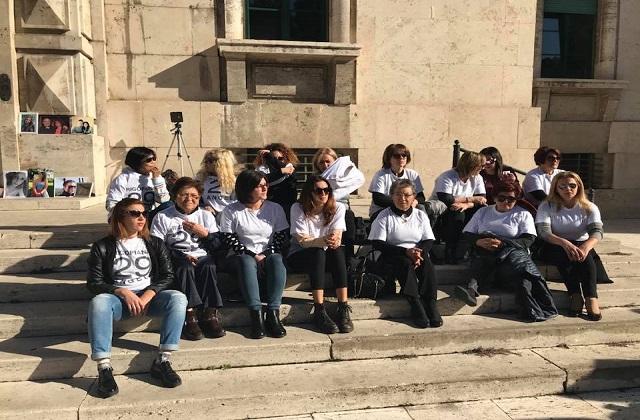 Tragedia di Rigopiano, i parenti in sit-in