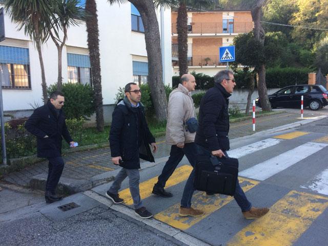 Gli avvocati Gianluca Reitano, Gianluca Carradori con Simone Santoleri ed Ezio Denti