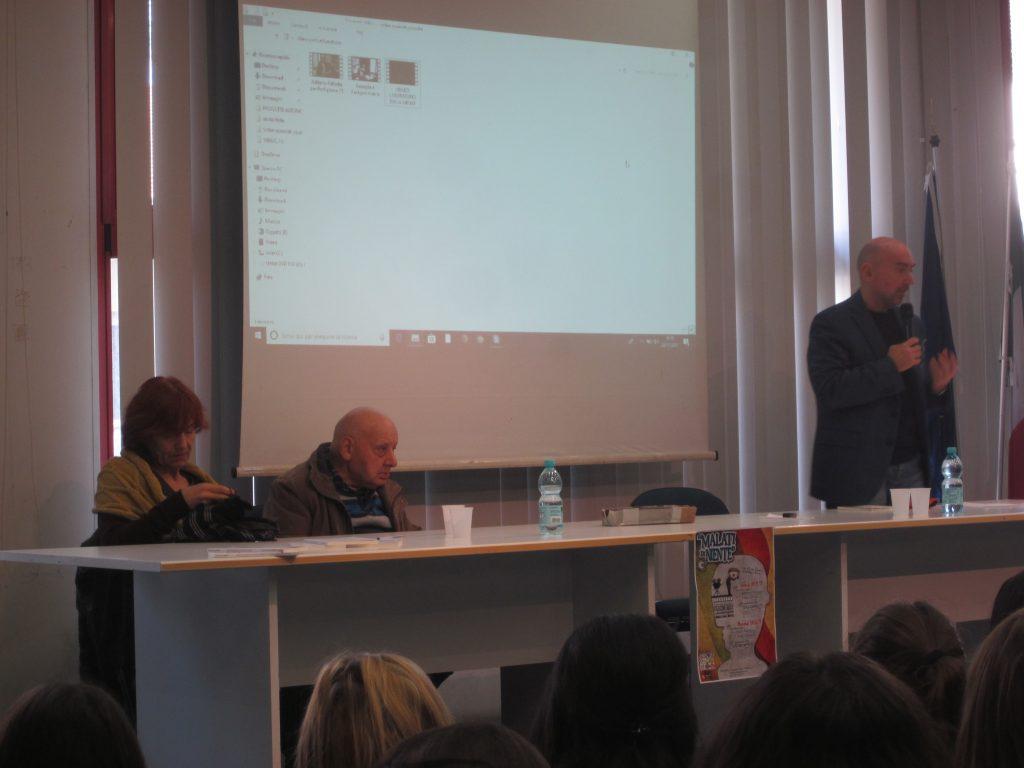 Alberto Paolini al centro, accanto a lui Patrizia Ciummelli e Gilberto Maiolatesi