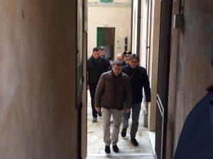 Il pm Laurino e il maggiore Di Pirro lasciano la casa si Renata Rapposelli