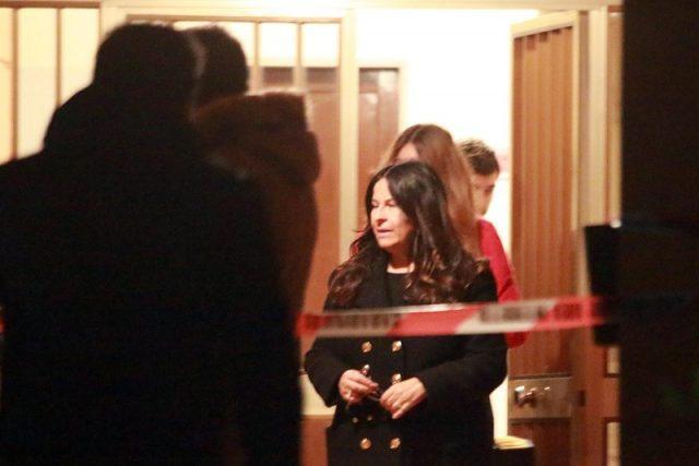 Il medico legale Loredana Buscemi nella palazzina dove è stata uccisa Graziella Pasquinelli