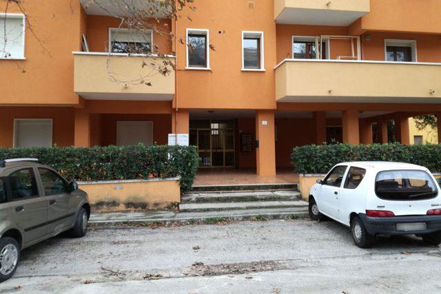 L'ingresso del condominio in Via Brandani