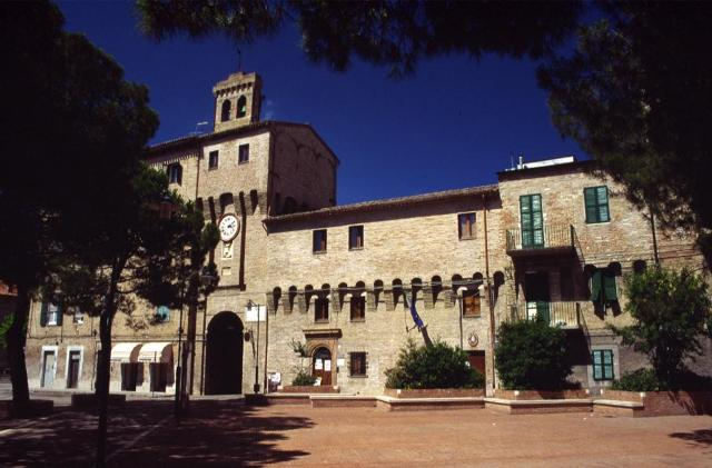 Coronavirus, Castelferretti: attivo un gruppo di volontari per le consegne a domicilio