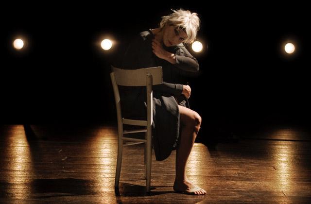 Violenza contro le donne: a Senigallia lo spettacolo a teatro e la rubrica in radio