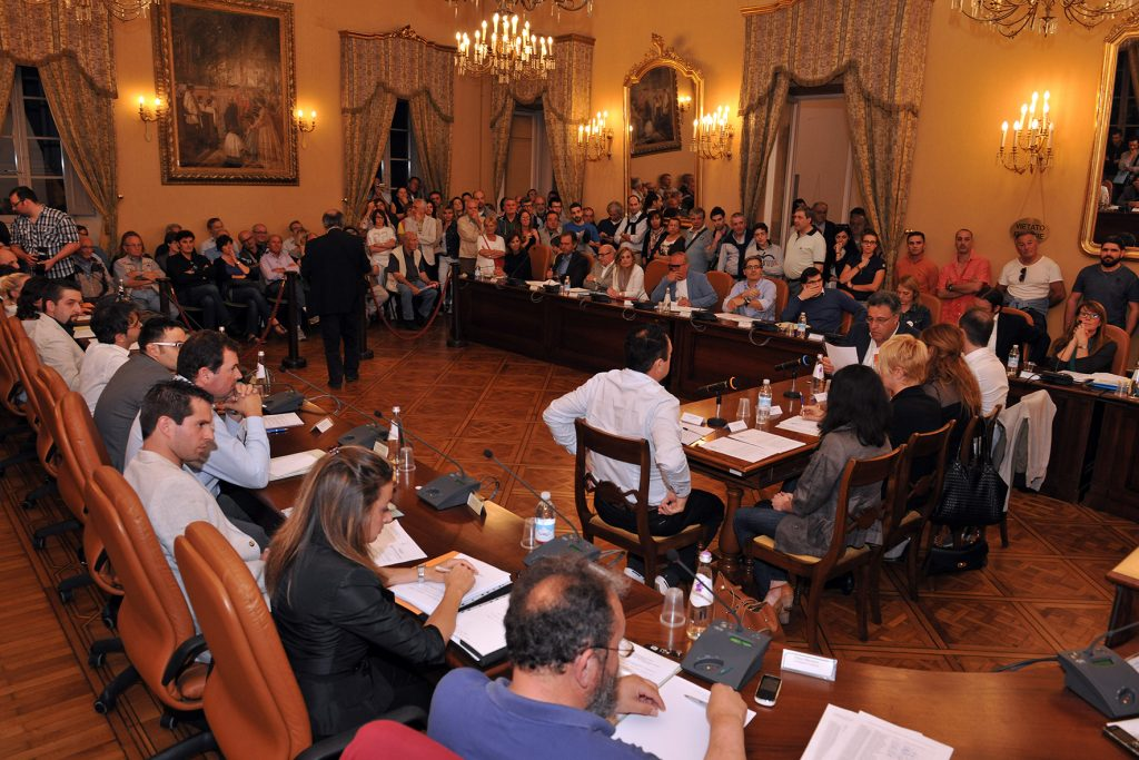 I banchi dell'opposizione in Consiglio comunale a Osimo