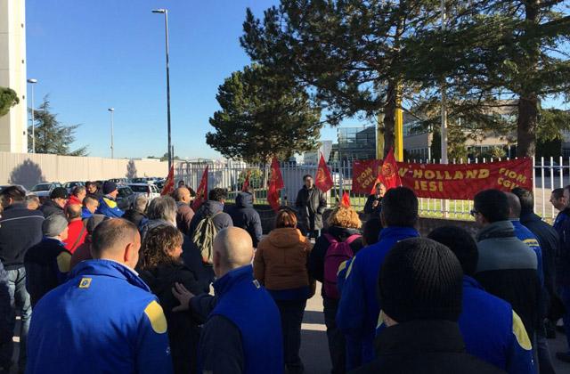 Un momento dello sciopero alla New Holland di Jesi