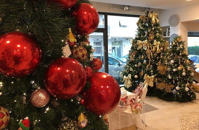 Palle Di Natale Grandi.Sfere Giganti Direttamente Da Parigi Tutte Le Novita Per