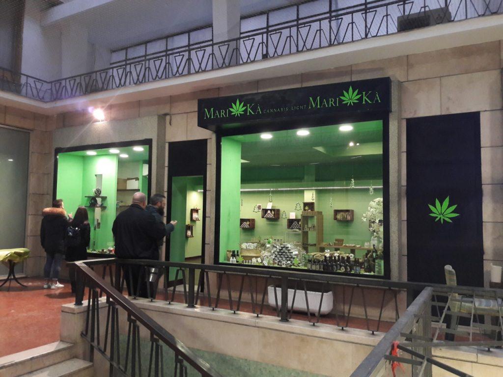 Il negozio Mari-kà, aperto all'interno della Galleria Dorica