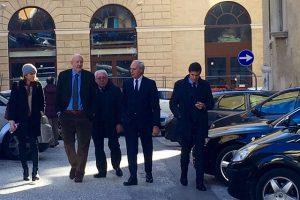 Massimo Bianconi con gli avvocati