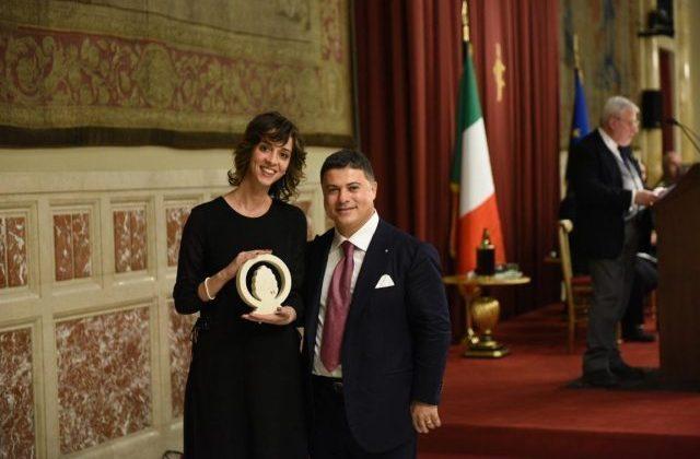 """Bruna Corradetti tra le """"100 Eccellenze Italiane"""" è premiata a Palazzo Montecitorio per la categoria """"Giovani Talenti"""""""