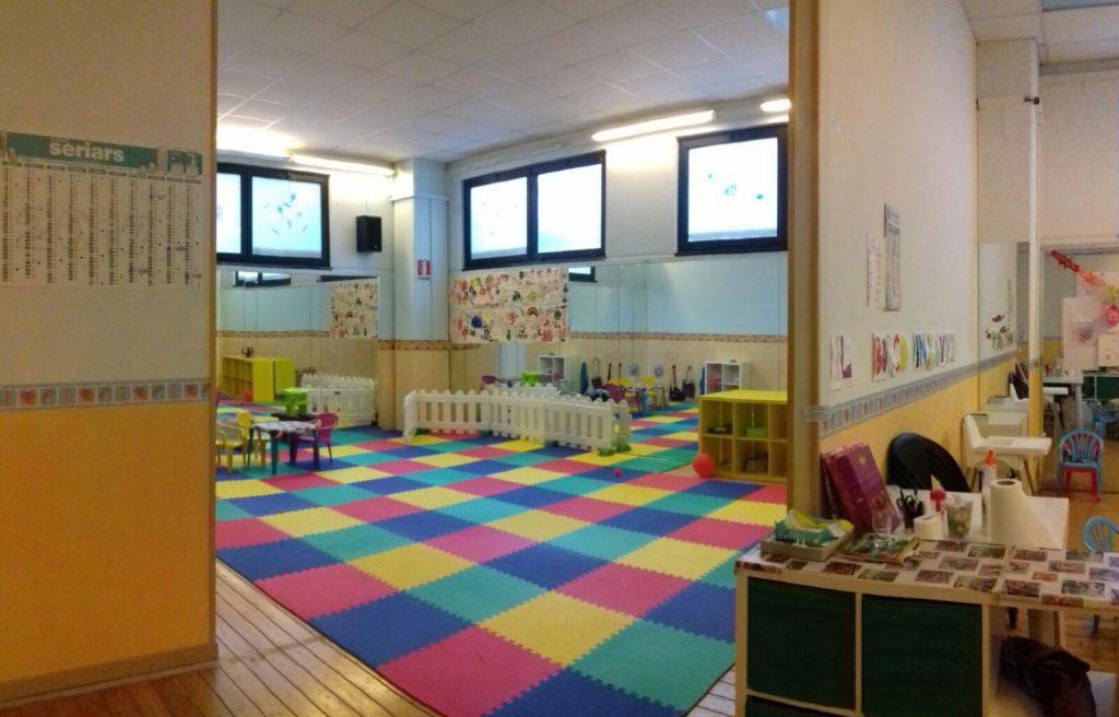 L'interno dell'asilo di Chiaravalle