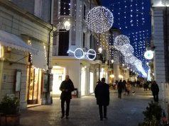 Luminarie natalizie, luci di natale in centro storico a Senigallia