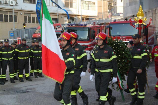 http://www.centropagina.it/wp-content/uploads/2017/12/santa-barbara-vigili-del-fuoco-e1512419813634.jpg