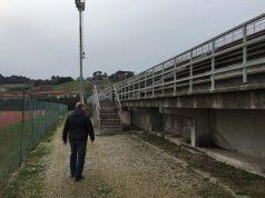 La tribuna della pista di atletica all'impianto delle Saline a Senigallia