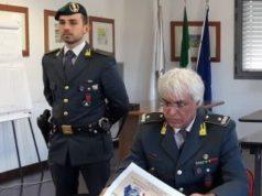 l comandante provinciale della Guardia di Finanza, Gen. B. Vincenzo Amendola, e la presidente della Provincia Liana