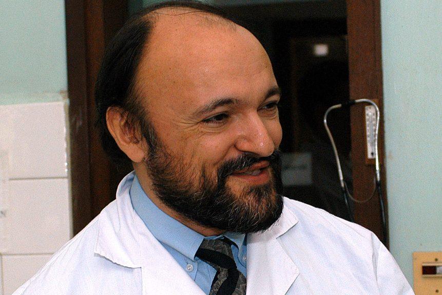 Il virologo Roberto Burioni: «I proventi del mio libro all'associazione Carlo Urbani»