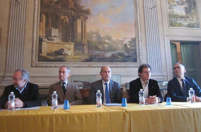 La presentazione dell'opera lirica Rigoletto a Jesi: da sinistra: De Vivo, Butini, Bacci, Rizzo e Fulvi