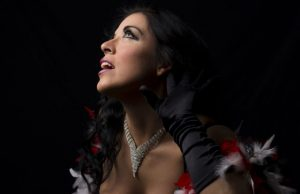 Immodesty Crystal direttrice artistica e protagonista dell'evento di Burlesque