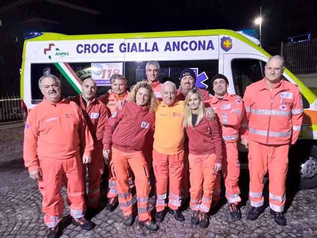 http://www.centropagina.it/wp-content/uploads/2018/01/Lequipaggio-della-Croce-Gialla-di-Ancona.jpg