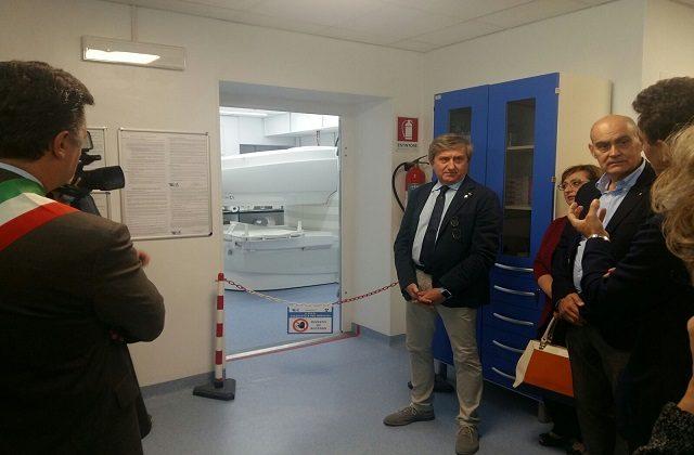Il dottor Claudio Piana il giorno dell'inaugurazione della risonanza a Loreto