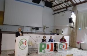 Un intervento del segretario del Pd Chiaravalle, Giovanni Brandoni