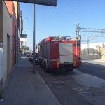 I vigili del fuoco per il controllo alla palazzina in via Flaminia ad Ancona