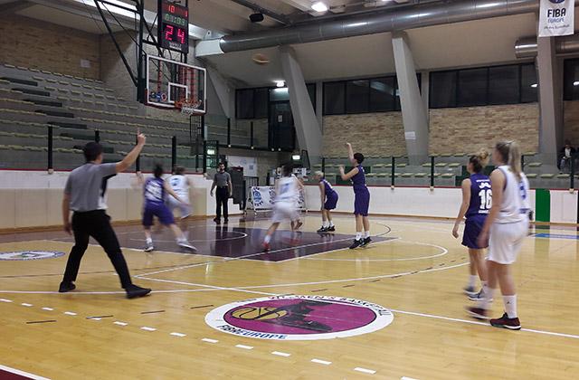 La MyCicero Basket 2000 Senigallia nel match contro Roseto