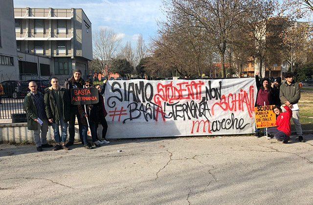 Ufficio Lavoro Senigallia : Gli studenti contro l alternanza scuola lavoro manifestazione