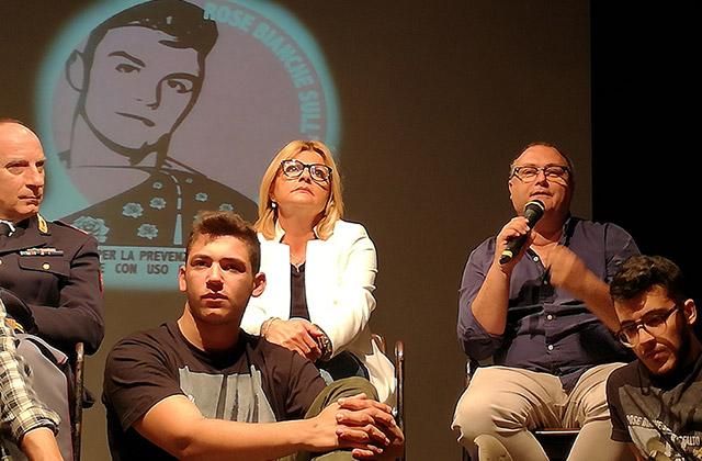 L'associazione Rose Bianche sull'Asfalto per ricordare Francesco Saccinto