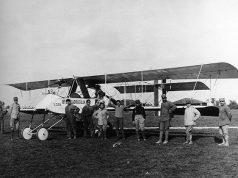Uno degli aerei sul campo di aviazione di Santa Maria La Longa (Udine) durante la guerra nel 1915