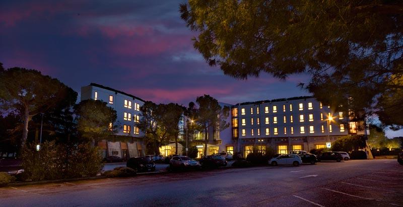Jesi, hotel Federico II. La Cgil alla proprietà: «Irrispettosa verso i lavoratori»