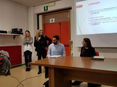 La dirigente scolastica Maria Ambrogini durante la presentazione del progetto