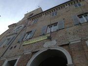 Il municipio del Comune di Senigallia con lo striscione per Giulio Regeni
