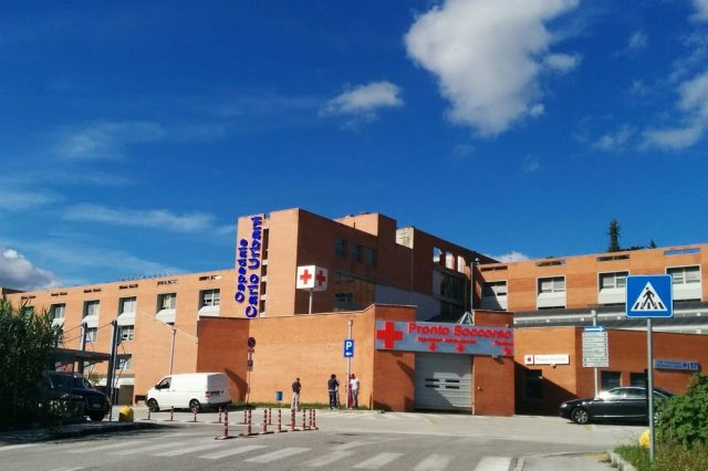 "Ospedale ""Carlo Urbani"": tutti i posti letto Covid occupati, ma garantiti i servizi"