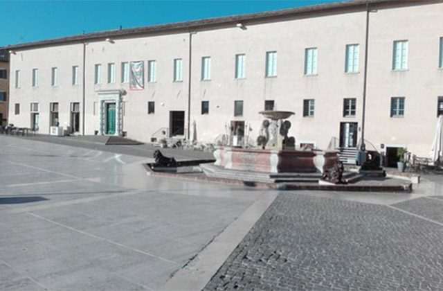 Piazza e palazzo del Duca a Senigallia