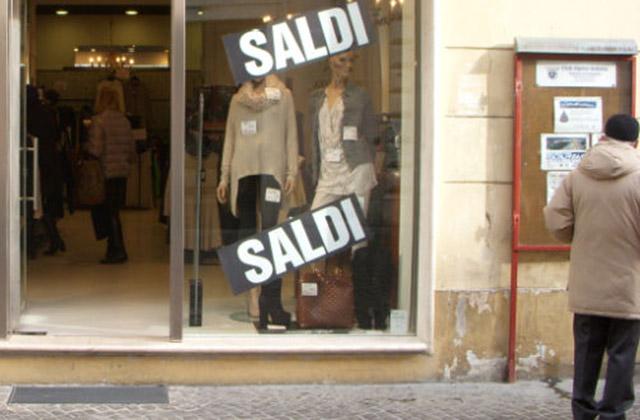 Sconti, vendite promozionali, saldi invernali, commercio, shopping, Senigallia