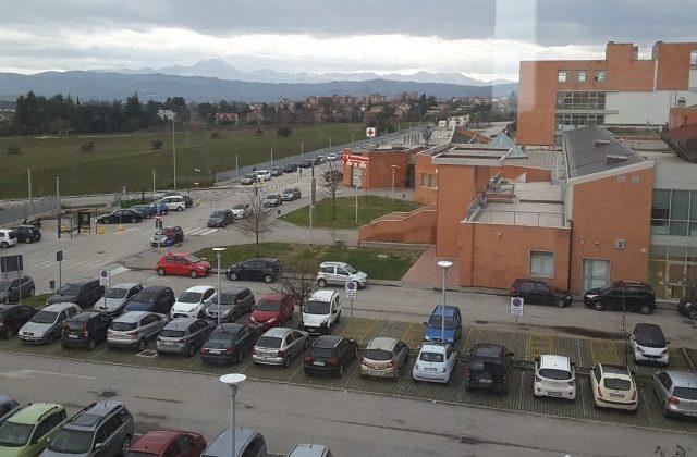 Il parcheggio dell'ospedale di Jesi