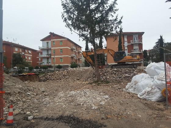 Scuola Lorenzini demolita