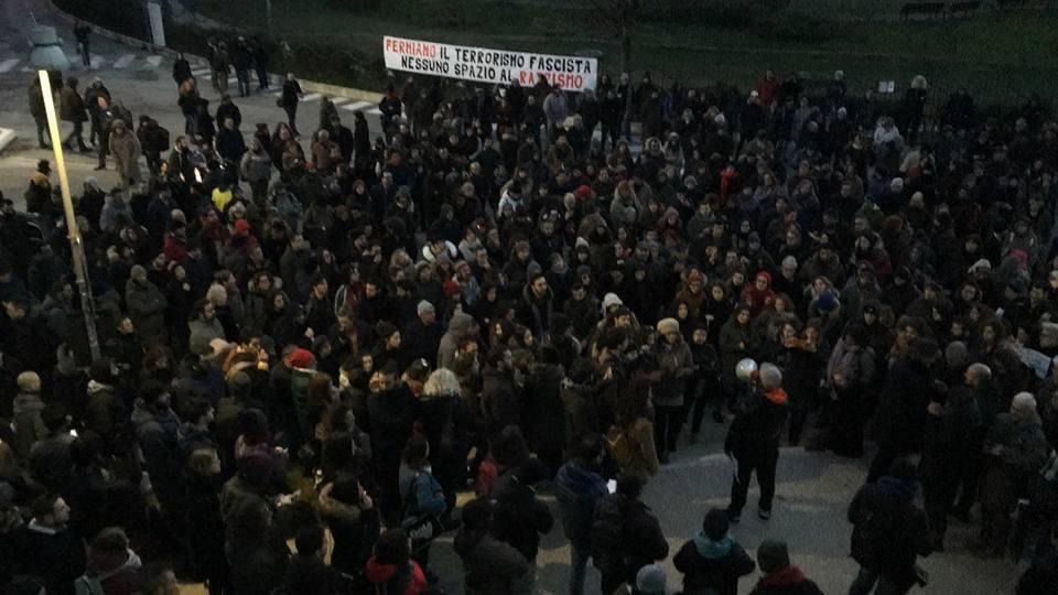 Il Tnt e gli anarchici ribadiscono: «Saremo in Piazza a Macerata»