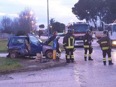 Uno dei tanti incidenti all'incrocio tra via Ancona e via Battistoni