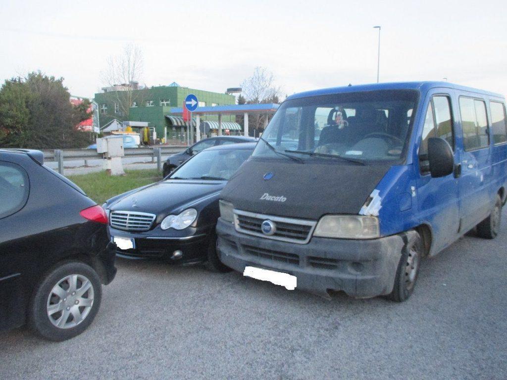 Il furgone rubato e guidato da un 22enne romeno