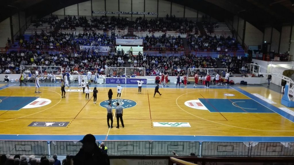 Un recente derby tra Ristopro Fabriano e Goldengas Senigallia