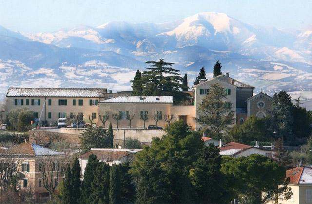 La struttura per anziani a Ostra gestita dalla Fondazione Moroni-Antonini-Morganti