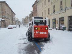Bobcat in azione lungo Corso Matteotti