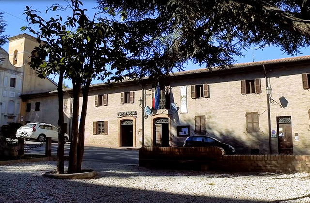 Il Municipio, sede del Comune di Castelleone di Suasa