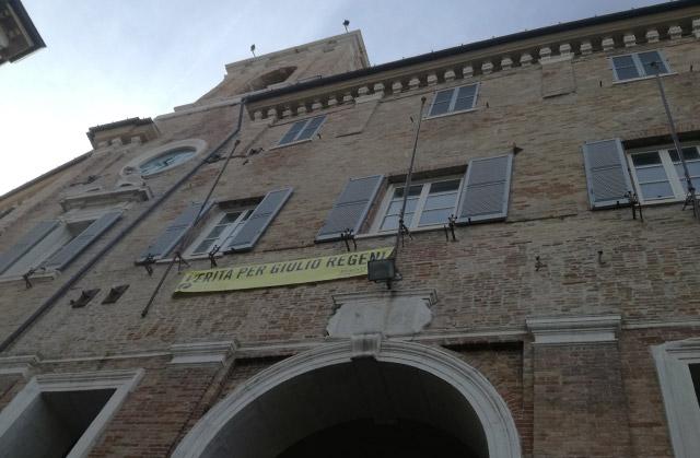 Corteo pacifico a Senigallia per dire no a ogni forma di violenza e razzismo dopo i fatti di Macerata