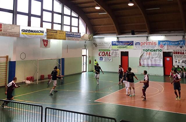 Un momento del match di calcio a 5 tra Corinaldo ed Eta Beta