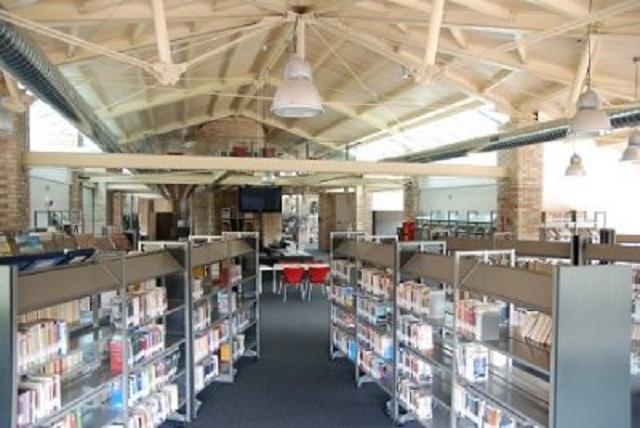 La biblioteca La Fornace di Moie di Maiolati Spontini