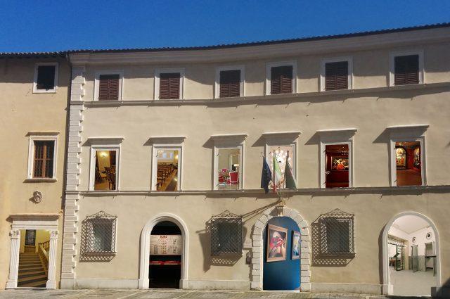 Dalle arti visive alla performance: studenti a palazzo Bisaccioni per Art-Jam